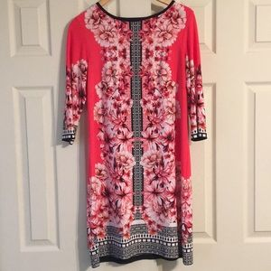 Gorgeous Coral Flowered 3/4 Sleeve Dress - size 6